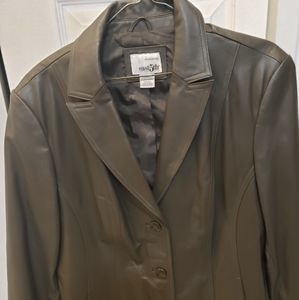 East 5th Genuine Leather Jacket Size XL Woman's L